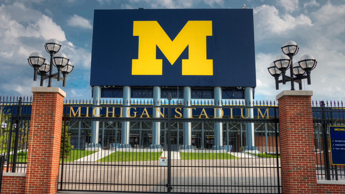 How To Get Into The University Of Michigan Admission Data And Strategie College Transitions Ann Arbor Transfer Essay